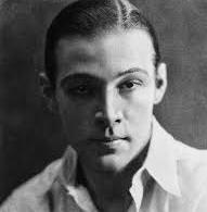 L'attore Rodolfo Valentino